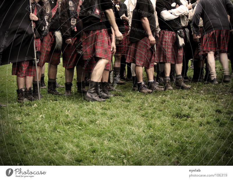Brävharts Vermeintliche Feminisierung Schotten Kilt Gras Highlands Großbritannien Highland Games zusammenrotten Truppe Spielen Krieg Tradition Konflikt & Streit