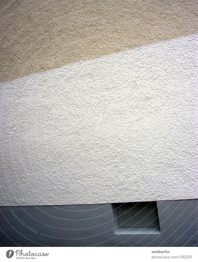 Schöner wohnen Haus Wand Fassade Keller Kellerfenster Freiraum Freizeit & Hobby Stadt Wohnung Detailaufnahme Häusliches Leben häuserwand Farbe platz für notizen
