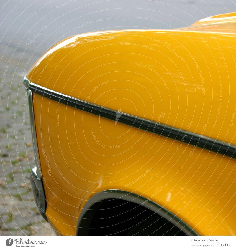 Von Vorne gelb Fenster fahren Oldtimer Holzleiste Lampe Stoßstange Dinge Motorsport PKW mein Bruder parken Lackierung Straße