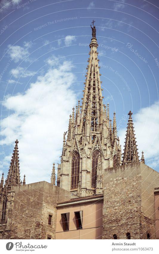 Kathedrale des heiligen Kreuzes, Barcelona Himmel Ferien & Urlaub & Reisen Stadt alt blau Sommer Wand Architektur Mauer Religion & Glaube Fassade Dekoration & Verzierung Tourismus hoch groß Spitze