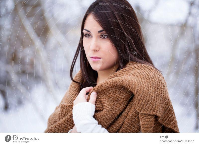 Eiszeit feminin Junge Frau Jugendliche Gesicht 1 Mensch 18-30 Jahre Erwachsene Winter Schnee Schal hell einzigartig kalt Farbfoto Außenaufnahme Tag
