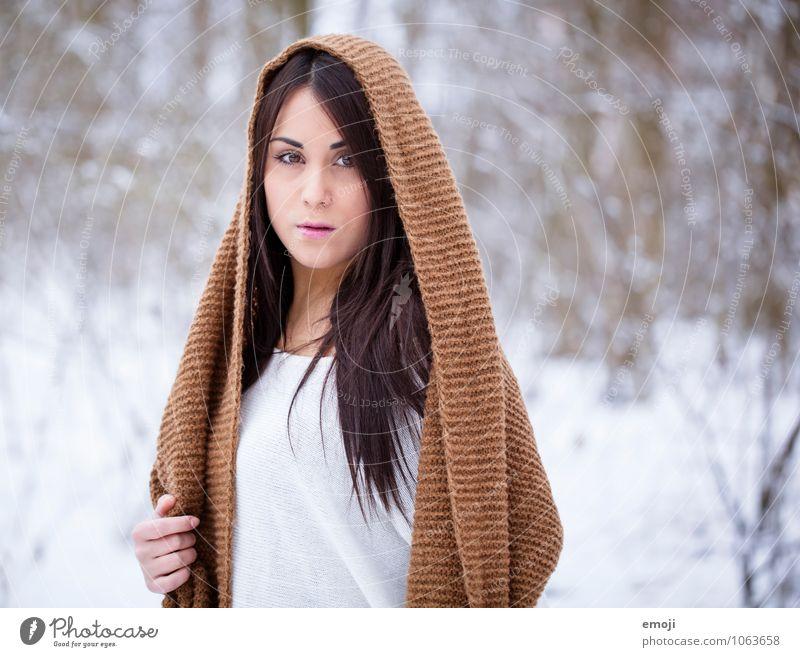 outside feminin Junge Frau Jugendliche 1 Mensch 18-30 Jahre Erwachsene Winter Schnee schön kalt Farbfoto Außenaufnahme Tag Schwache Tiefenschärfe Porträt