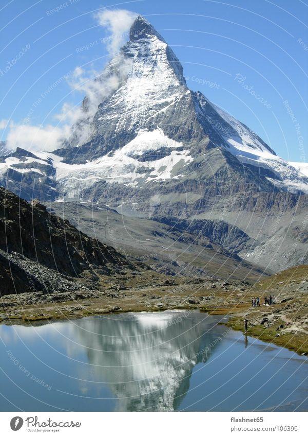 Matterhorn Kanton Wallis Herbst Herbstwetter Gebirgssee Wahrzeichen Denkmal Schweiz Mont Cervin Matterhorn ob Zermatt Mattertal Berge u. Gebirge Mount