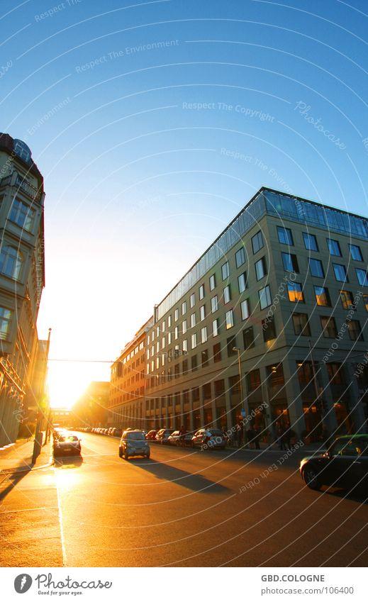 Blended by the Light Abend Dämmerung Sonnenuntergang Ferien & Urlaub & Reisen Eyecatcher Verkehr Gebäude Bürogebäude Berlin Verkehrswege Herbst Abenddämmerung