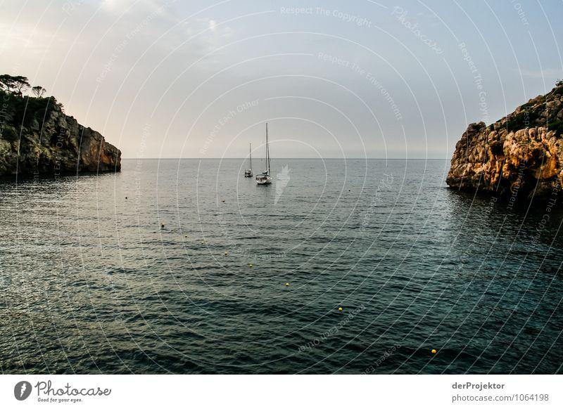 Mallorca von seiner schönen Seite 66 – Segelboot vor Küste Ferien & Urlaub & Reisen Tourismus Ausflug Freiheit Sommerurlaub Umwelt Natur Landschaft Pflanze Tier