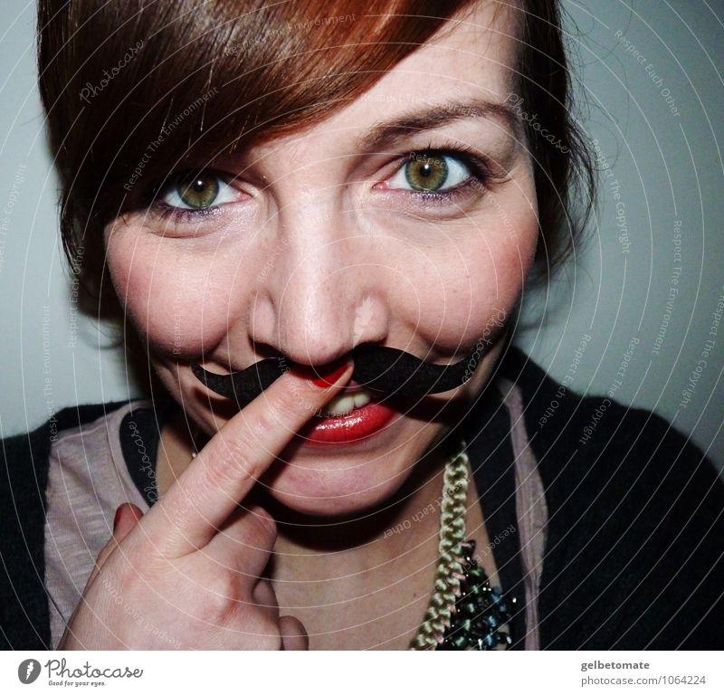 Madame Mustache II Freude Glück Gesicht Freizeit & Hobby feminin Junge Frau Jugendliche Erwachsene 1 Mensch 18-30 Jahre Accessoire brünett rothaarig Pony Bart