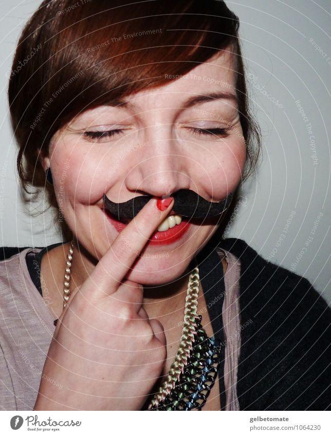 Madame Mustache I Mensch Frau Jugendliche Junge Frau Freude 18-30 Jahre Erwachsene Leben feminin lustig Glück lachen Freizeit & Hobby Lächeln Lebensfreude Coolness