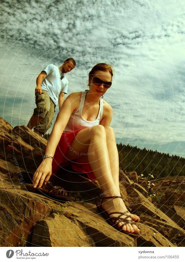 Zweisam Frau Mensch Himmel Mann Natur Jugendliche Ferien & Urlaub & Reisen Sommer Freude Erholung Gefühle Glück Paar Freundschaft Zeit Zusammensein
