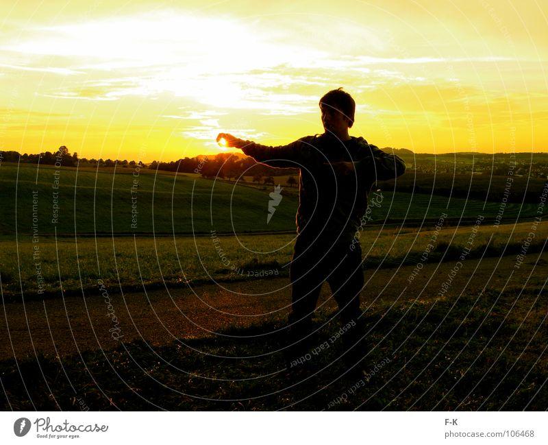 Sonnengott Erholung Wolken Herbst Wiese Wege & Pfade Gold gelb Sonnenuntergang Abendsonne Himmelskörper & Weltall Abenddämmerung overview Aussicht überblicken