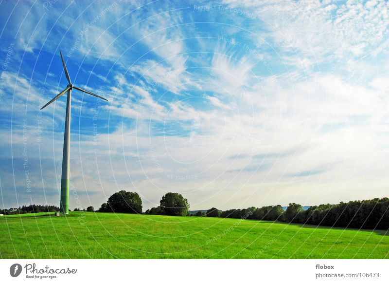 Windkraft Deluxe II Natur Himmel grün Wolken Ferne Wiese Kraft dreckig Nebel Erde Industrie Energiewirtschaft modern Elektrizität Technik & Technologie Rasen