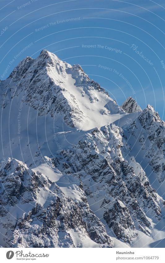 Felsmassiv Ferien & Urlaub & Reisen Tourismus Ausflug Abenteuer Winter Winterurlaub Natur Landschaft Himmel Wolkenloser Himmel Schönes Wetter Eis Frost Schnee