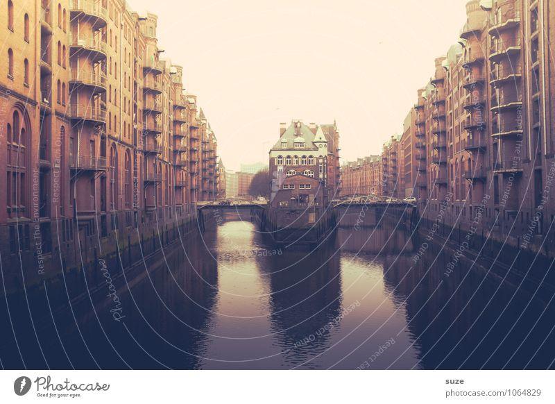 Alt-bekanntes alt Wasser Haus Architektur Gebäude außergewöhnlich Deutschland Fassade fantastisch Europa Vergänglichkeit Industrie Hamburg historisch