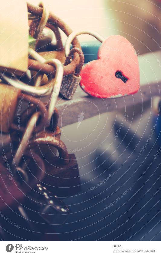Hart aber herzlich rot Gefühle Liebe Glück klein Feste & Feiern Stimmung Metall Lifestyle Zusammensein Freizeit & Hobby geschlossen Herz Zeichen Kultur Romantik