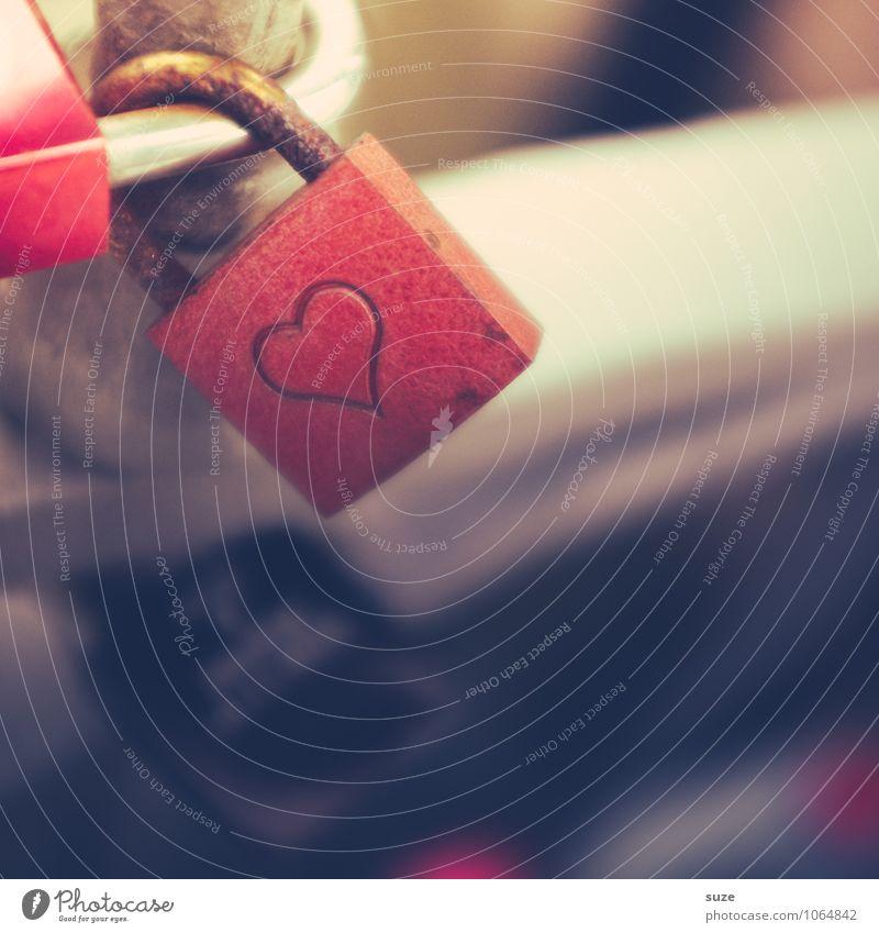 Langlebig | Theoretisch Lifestyle Glück Freizeit & Hobby Feste & Feiern Valentinstag Hochzeit Kultur Metall Rost Zeichen Herz Schloss Liebe Zusammensein klein