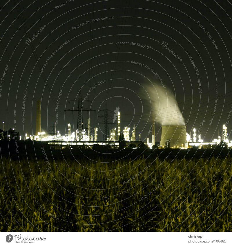 Raffinerie Himmel blau schwarz dunkel Wärme Linie braun Metall Umwelt hoch Industrie Energiewirtschaft Elektrizität Wachstum Niveau Turm