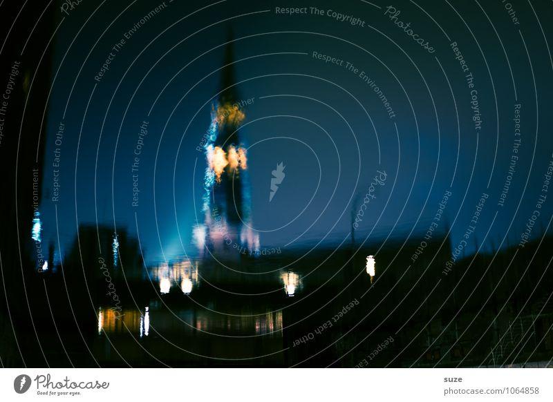Wasserzeichen | Scheinwelt Kunst Kunstwerk Fluss Stadt Hafenstadt Kirche Turm leuchten dunkel fantastisch geheimnisvoll Hamburg Kanal malerisch Oberfläche