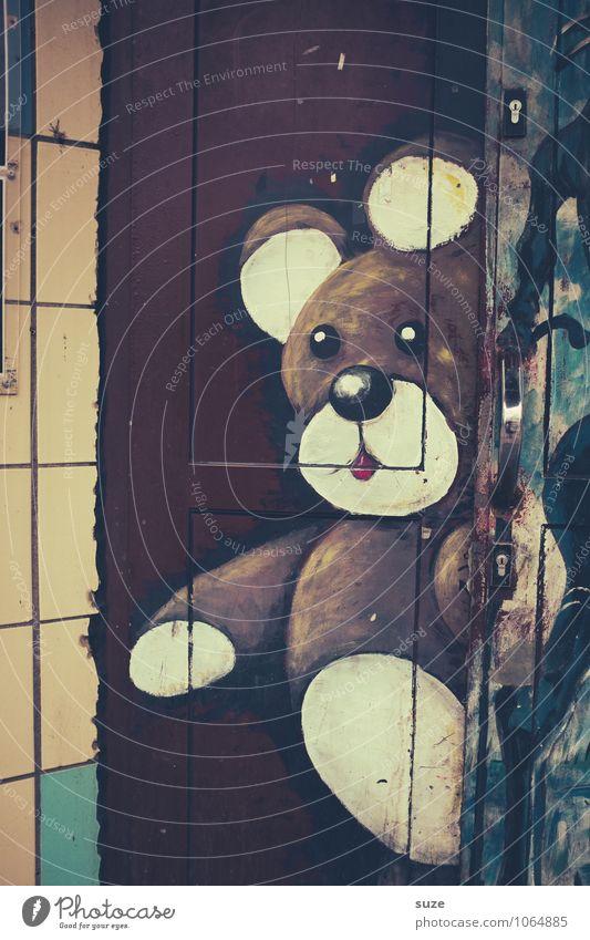 Ich bin ein Bärliner Lifestyle Stil Design Freizeit & Hobby Haus Kunst Jugendkultur Stadtrand Mauer Wand Fassade Tür Teddybär Graffiti dreckig einzigartig