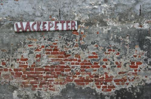 Peter Hacke - Metzgermeister Beruf Handwerker Gastronomie Kunst Kleinstadt Stadt Menschenleer Haus Fabrik Ruine Bauwerk Gebäude Architektur Mauer Wand Fassade