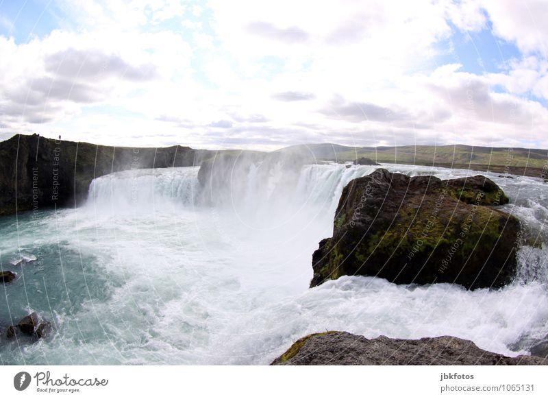 Wassermassen Umwelt Natur Landschaft Urelemente Sommer Schönes Wetter Pflanze Gras Hügel Felsen Wellen Küste Flussufer Wasserfall Flüssigkeit natürlich Island