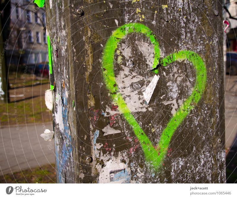 lieber Grün Subkultur Straßenkunst Umwelt Friedrichshain Fetzen Rost Graffiti Kreuz Liebe einfach fest nah grün Leidenschaft Verliebtheit Inspiration