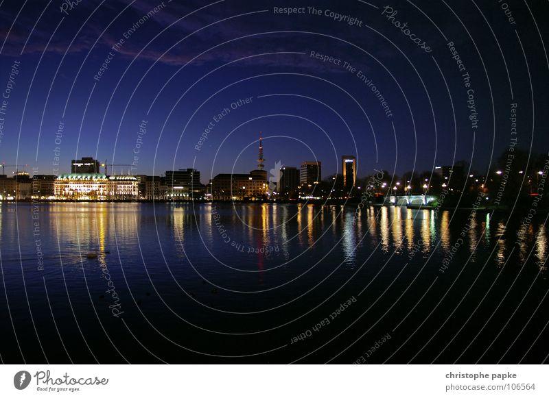 Alsterblick @ night Himmel Stadt Wasser Architektur Beleuchtung Gebäude See Tourismus Hamburg erleuchten Skyline Wahrzeichen Stadtzentrum Hotel Sightseeing Hafenstadt
