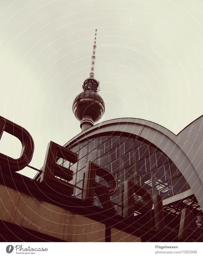 DERPLA Berlin Sehenswürdigkeit Skyline Hauptstadt Großstadt Berliner Fernsehturm Alexanderplatz Osten