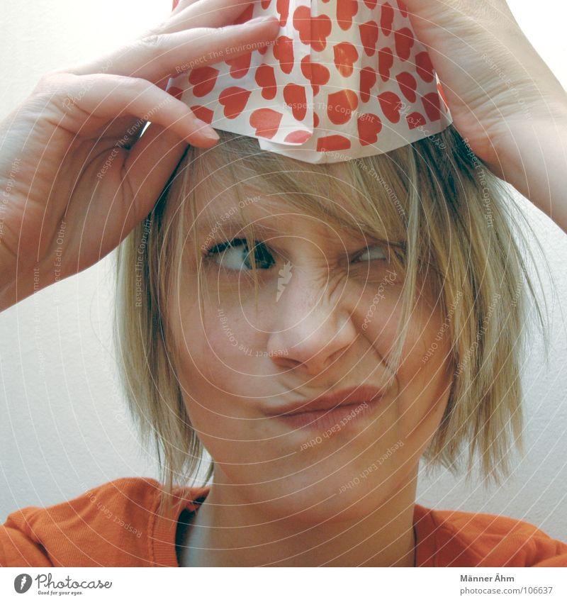 Herzlich wenig scheren... Frau Hand Freude Gesicht Haare & Frisuren Kopf Herz Kommunizieren Meinung Grimasse Verzerrung Gleichgültigkeit