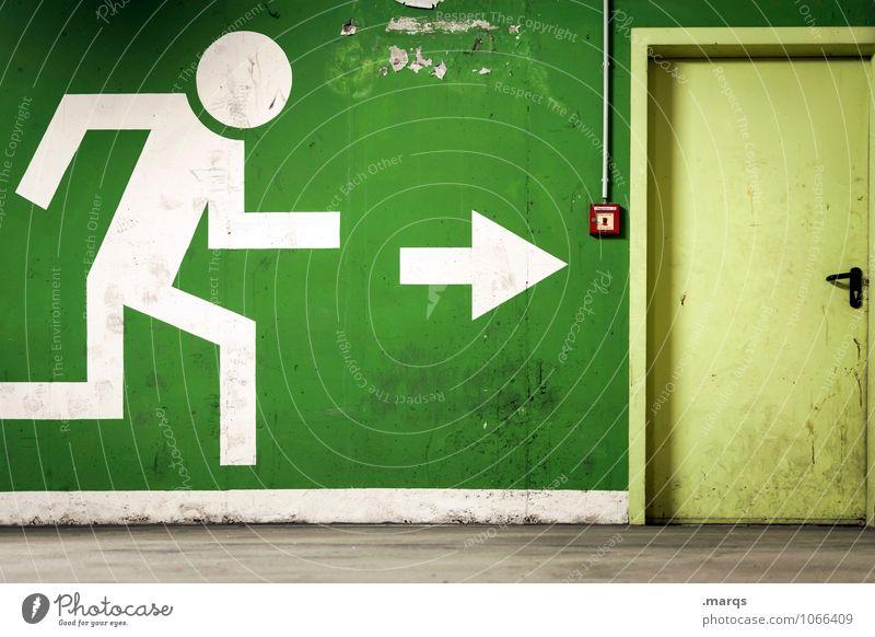 Ausgangssituation Mauer Wand Tür Alarm Zeichen Piktogramm rennen grün Angst Todesangst Sicherheit Ausweg Flucht Fluchtweg notleidend Notausgang Rettung Krise