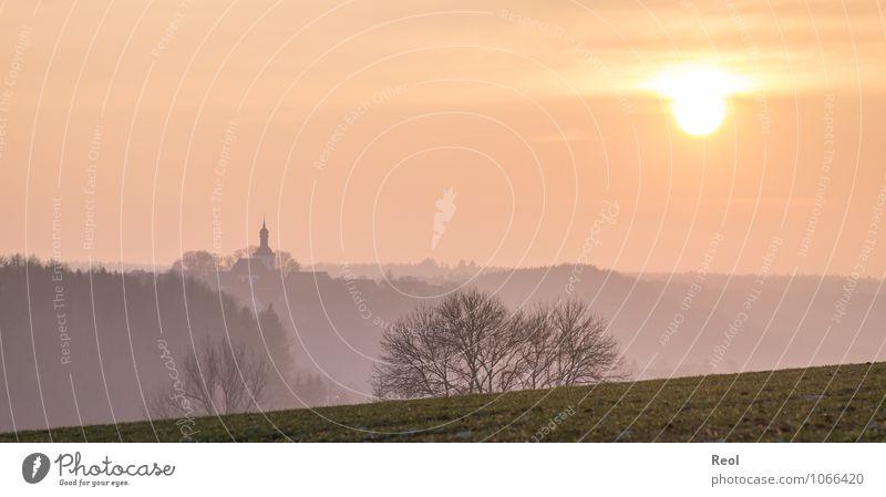 Sonnenuntergang im Nebel Himmel Natur Baum Landschaft Winter Wärme Wiese Frühling Deutschland träumen orange Kirche Schönes Wetter Hügel