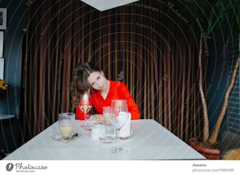 Mittagessen Getränk Erfrischungsgetränk Heißgetränk Kaffee Wein elegant Stil Freude Leben harmonisch Erholung Freizeit & Hobby Restaurant Flirten feminin