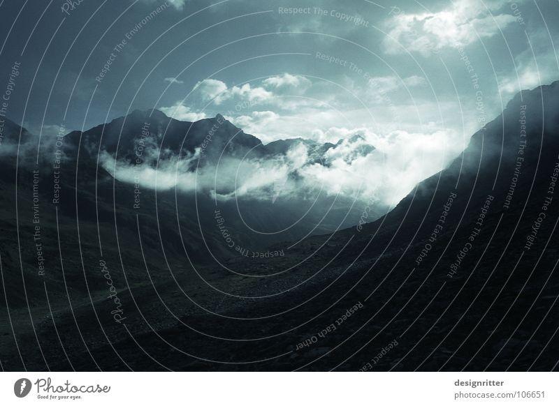 Kaltlicht Hochgebirge Hohen Tauern NP wandern Licht Sonne Sonnenlicht Wolken steinig Fußweg Berge u. Gebirge Schobergruppe Alpen Debandtal UV Himmel Stein