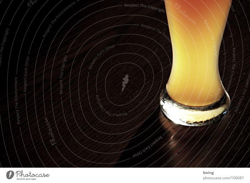 sich Photocase liebenswert saufen Sommer Ernährung Glas Bier Gastronomie Wohnzimmer Alkohol Alkoholisiert Weizen Tischwäsche Gischt Imbiss