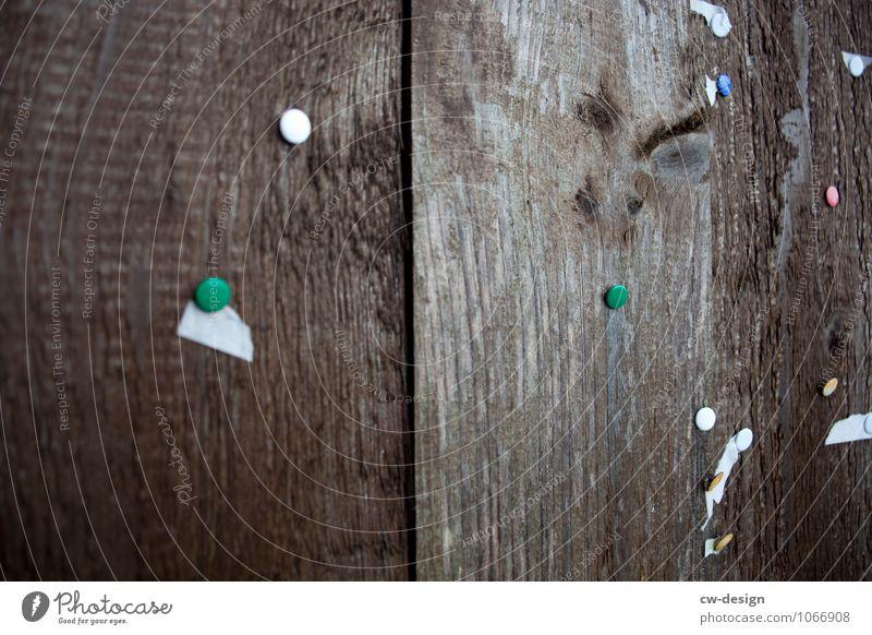 Sammlerstück Häusliches Leben Wohnung Dekoration & Verzierung Kitsch Krimskrams Holz alt authentisch dunkel eckig historisch trashig braun grau Kommunizieren