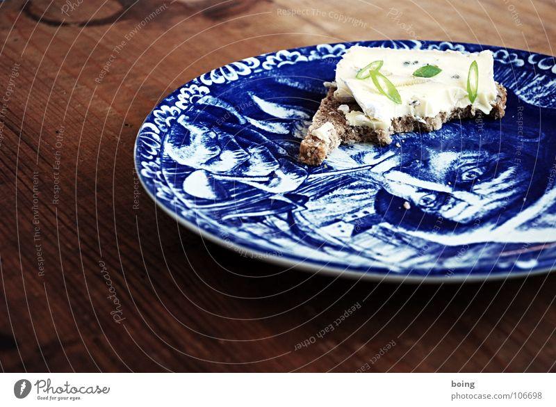Foodwatch II Ernährung lecker Teller Brot Abendessen Belegtes Brot Käse beißen Seemann Himmelskörper & Weltall Trillerpfeife Käsebrot Frühlingszwiebel