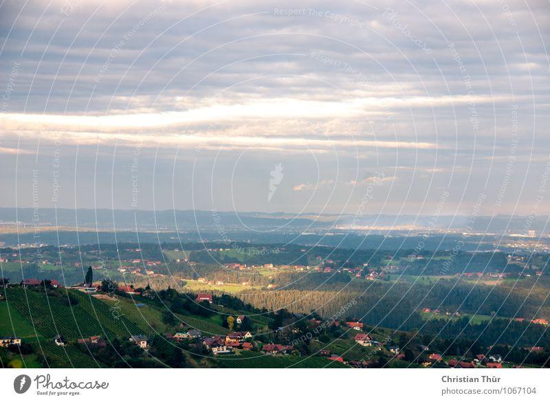Lichtstrahl Natur Pflanze Erholung Landschaft ruhig Wolken Haus Ferne Wald Umwelt Berge u. Gebirge Herbst Wiese Gras Feld Zufriedenheit
