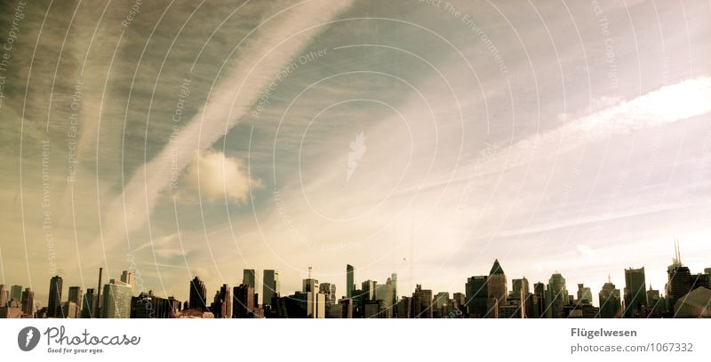 Nachmittags in New York Ferien & Urlaub & Reisen Winter Architektur Gebäude Hochhaus fantastisch Klima Seeufer Bauwerk USA Skyline Veranstaltung Wahrzeichen