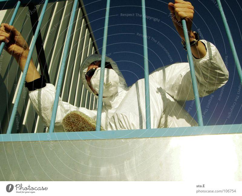 schweigepflicht Kerl Aktion Anzug weiß Sicherheit Schutzanzug Arbeitsbekleidung Pentium Arbeitsschuhe Stahlkappe Maske Schutzmaske Atemschutzmaske Parkplatz