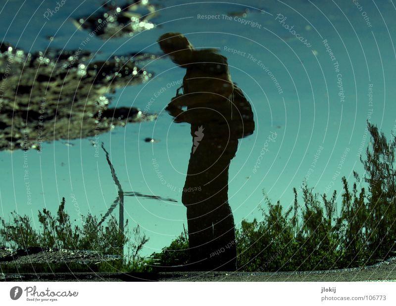 Liquid Man Himmel Mann Natur blau Wasser Pflanze Gras Stein Beine Regen Beleuchtung Glas Arme dreckig maskulin Energiewirtschaft