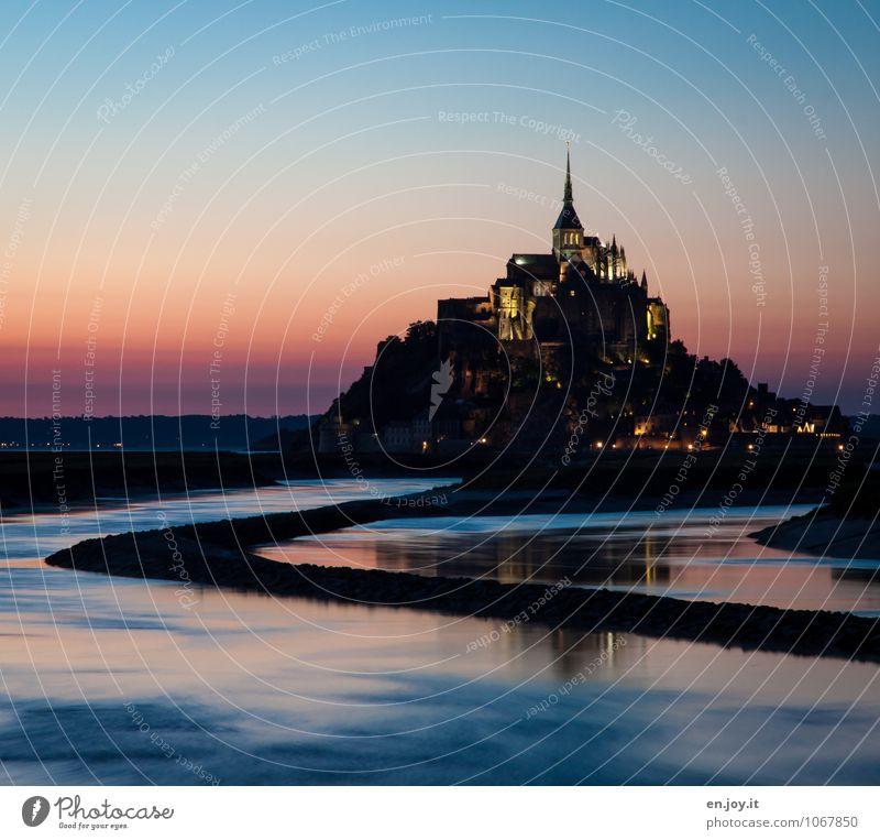 Burggraben Ferien & Urlaub & Reisen Tourismus Ausflug Insel Landschaft Wasser Wolkenloser Himmel Sonnenaufgang Sonnenuntergang Hügel Insel Mont-Saint-Michel