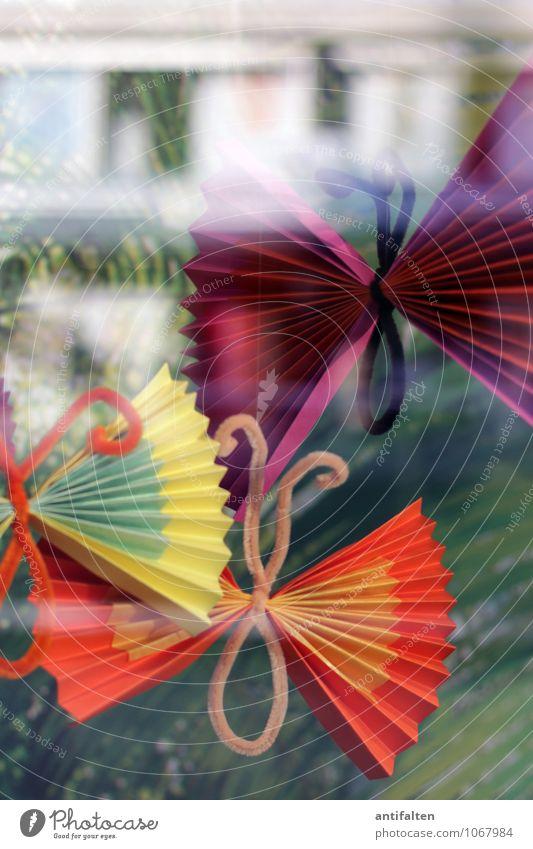 Frühlingsdeko Stadt grün Freude Fenster gelb Stil Lifestyle Fassade orange Freizeit & Hobby Design Dekoration & Verzierung Fröhlichkeit fantastisch Papier