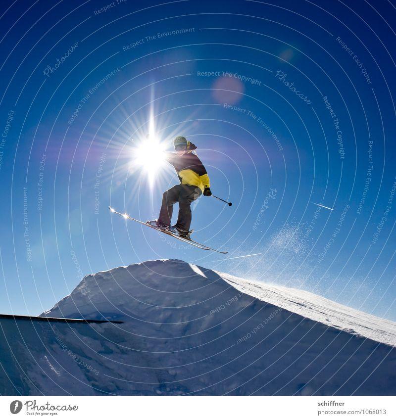 Armleuchter Mensch Ferien & Urlaub & Reisen Jugendliche Sonne Junger Mann 18-30 Jahre Winter Erwachsene Schnee Sport fliegen springen Lifestyle maskulin