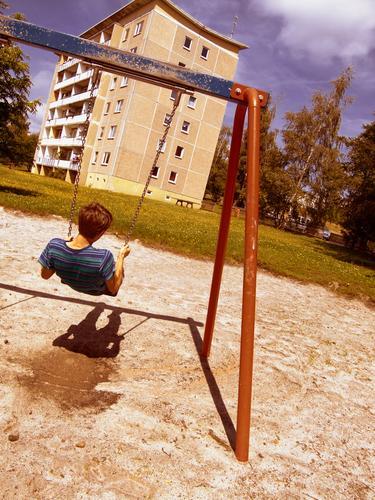 Sitting here, thinking 'bout yesterday V Mensch Mann Jugendliche schön Sommer Freude Leben Erholung Gefühle Bewegung Freiheit Glück Traurigkeit Denken Sand