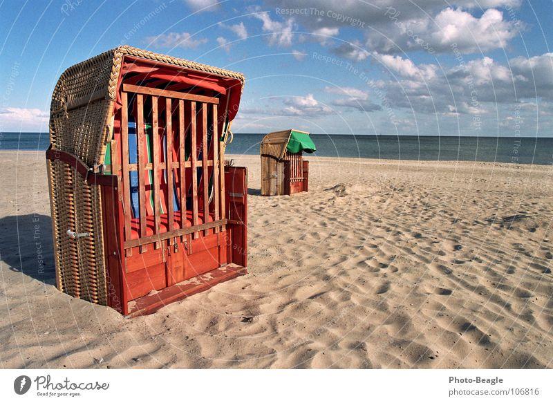 Herbst an der See Meer Strand Ferien & Urlaub & Reisen Sand Wellen Trauer Ende Freizeit & Hobby fallen Vergänglichkeit Sehnsucht Ostsee vergangen Möwe