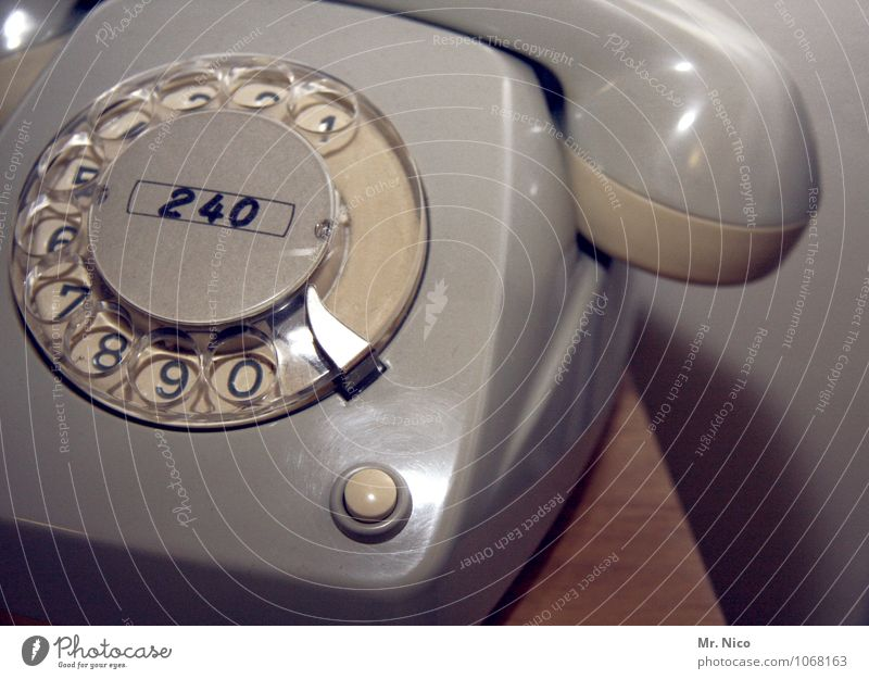 vor langer zeit | auf Arbeit alt grau Arbeit & Erwerbstätigkeit Häusliches Leben Büro Technik & Technologie Kommunizieren Telekommunikation Ziffern & Zahlen