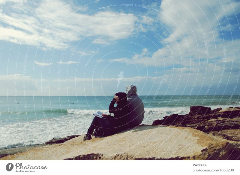 Anchor Point II Paar Partner 2 Mensch 18-30 Jahre Jugendliche Erwachsene Wasser Küste Erholung genießen ruhig Meer Marokko Wellen Zusammensein Futurismus Blick