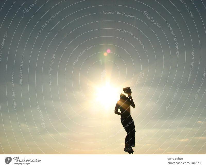 die erleuchtung Mensch Himmel Jugendliche Ferien & Urlaub & Reisen Sonne Sommer Freude Erholung Herbst Spielen springen Lampe Stimmung Zufriedenheit