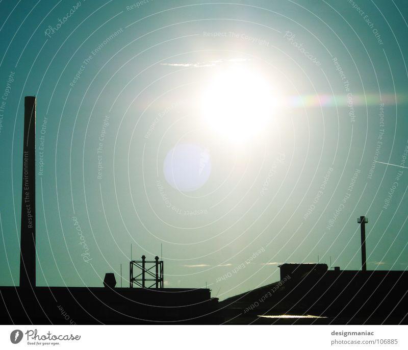Stillgelegt. Himmel blau grün Sonne schwarz Ferne dunkel Umwelt Wärme hell Deutschland Europa Industrie Baustelle Dach einfach