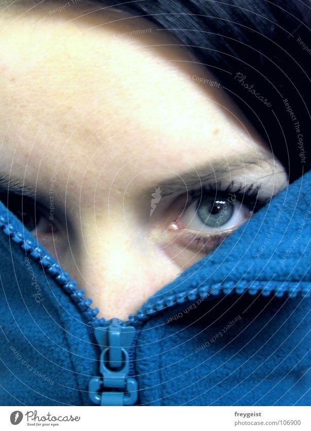 So cold? Gesicht Auge Herbst Jacke kalt blau Selbstportrait Fleece türkis self face petrol Porträt Blick