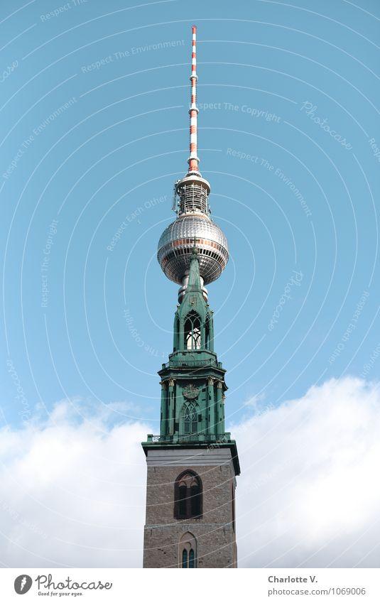 Verschmelzung Schönes Wetter Berlin Berliner Fernsehturm Marienkirche Hauptstadt Stadtzentrum Kirche Turm Dach Sehenswürdigkeit Wahrzeichen Stein Metall alt