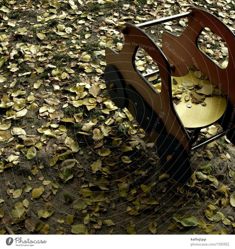 traumauto grün Freude Blatt gelb Herbst Spielen Sand PKW Erde Raum Kindheit Mund Platz frei Bodenbelag Rasen